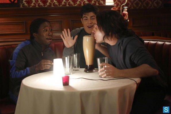 """<i>New Girl</i> Review: """"Virgins"""" (Episode 2.23)"""