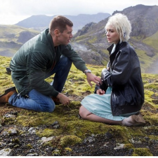 """<i>Sense8</i> Review: """"Just Turn The Wheel and the Future Changes""""/""""I Can't Leave Her"""""""