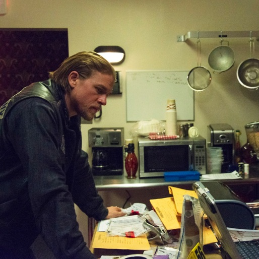 "<i>Sons of Anarchy</i> Review: ""Some Strange Eruption"""