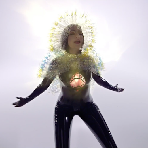 """Watch Björk's Surreal And Stunning Music Video For """"Lionsong"""""""