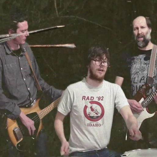 "Built to Spill Share ""Living Zoo"" Music Video"