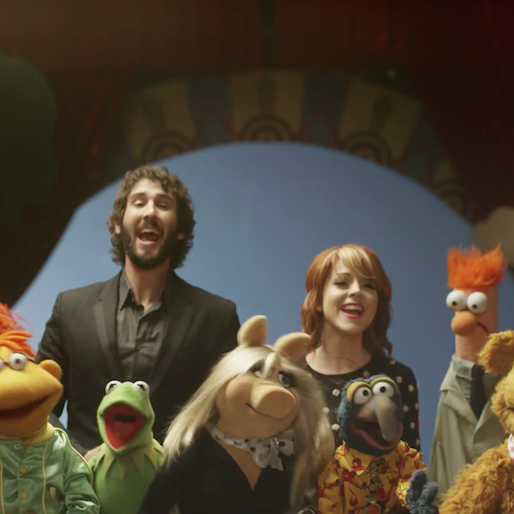 """The Muppets Join Josh Groban and Violinist Lindsey Stirling To Perform """"Pure Imagination"""""""