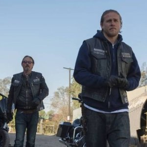 "<em>Sons of Anarchy</em> Review: ""Los Fantasmas"" (Episode 6.08)"