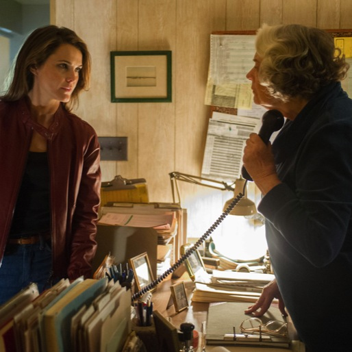 "<i>The Americans</i> Review: ""Do Mail Robots Dream of Electric Sheep?"""