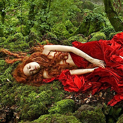 <i>Tale of Tales</i> (2015 Cannes review)