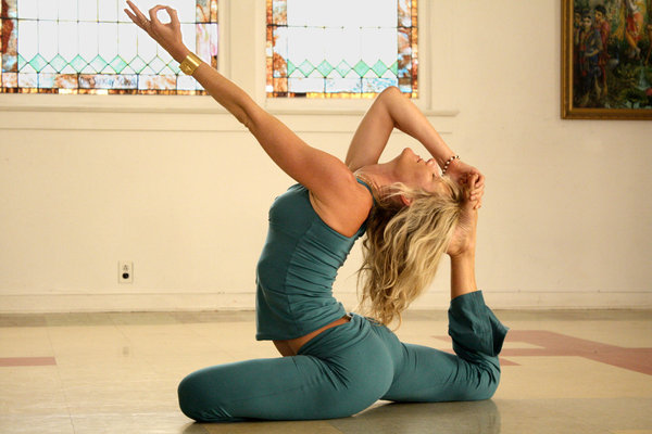 <i>Yogawoman</i>