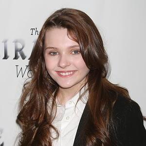 Abigail Breslin to Star in <i>A Virgin Mary</i>