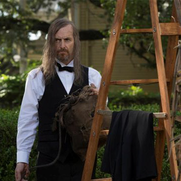 "<i>American Horror Story: Coven</i> Review: ""Fearful Pranks Ensue"" (Episode 3.04)"