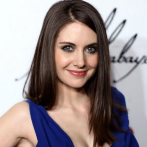 <i>Community</i>'s Alison Brie Attempts Freestyle Rap, Kills It