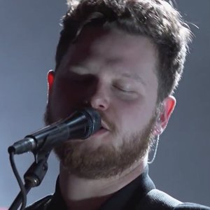 "Alt-J Perform ""Left Hand Free"" and ""Every Other Freckle"" on <i>Jimmy Kimmel Live!</i>"