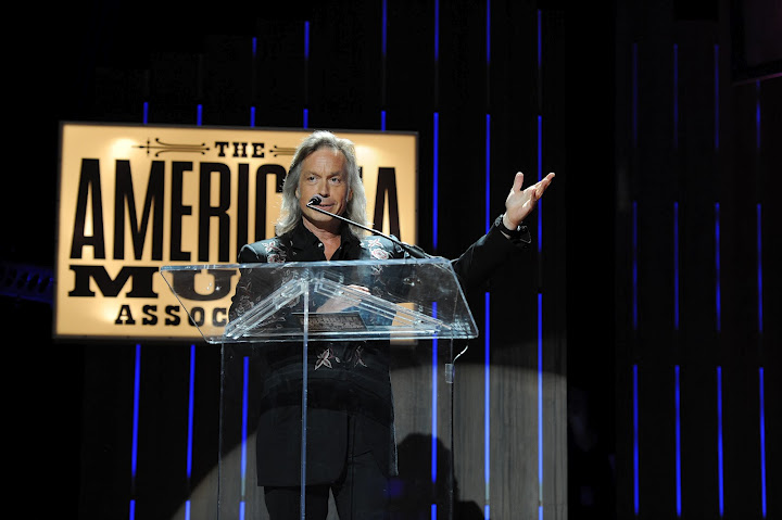 Alabama Shakes, Gillian Welch, Bonnie Raitt Honored at Americana Music Awards