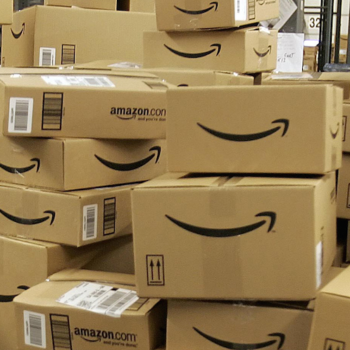 """Malcolm Gladwell, Michael Chabon, Other Authors Seek Government Probe on Amazon """"Monopoly"""""""