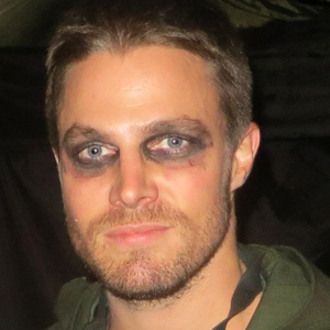 Stephen Amell Masks Up for <i>Teenage Mutant Ninja Turtles 2</i>