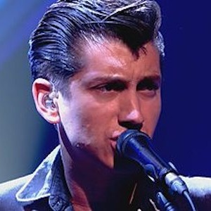 "Watch Arctic Monkeys Perform ""R U Mine?,"" ""Snap Out Of It"" on <i>Jools Holland</i>"