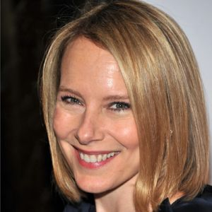 Amy Ryan Joins Dwayne Johnson and Kevin Hart in <i>Central Intelligence</i>