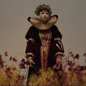"Angel Olsen Chaperones Youngsters, Dons Full Elizabethan Garb for New ""Windows"" Music Video"