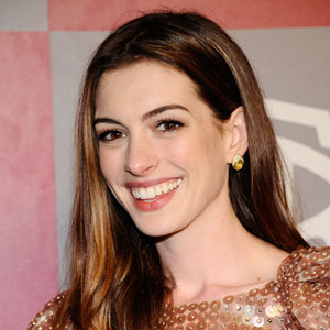 Anne Hathaway to Star in Christopher Nolan's <i>Interstellar</i>