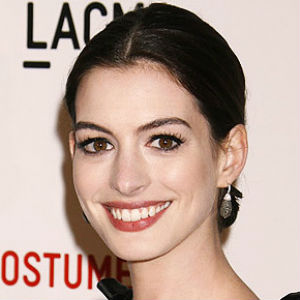 Anne Hathaway to Produce, Star in <i>The Lifeboat</i>