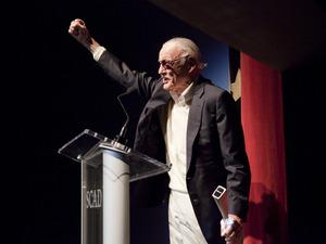 Stan Lee (1).jpg