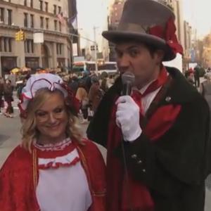 Watch Amy Poehler and Billy Eichner go Speed Caroling in New York City