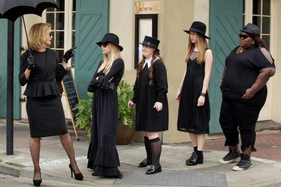 "<i>American Horror Story: Coven</i> Review: ""Bitchcraft"" (Episode 3.01)"