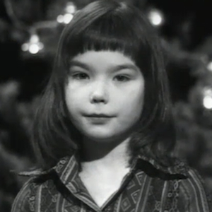 Watch 11-Year-Old Björk Tell the Nativity Story on Icelandic TV