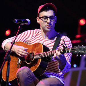 """Watch Bleachers Perform On A Moving Ice Cream Truck For Their """"Rollercoaster"""" Music Video"""
