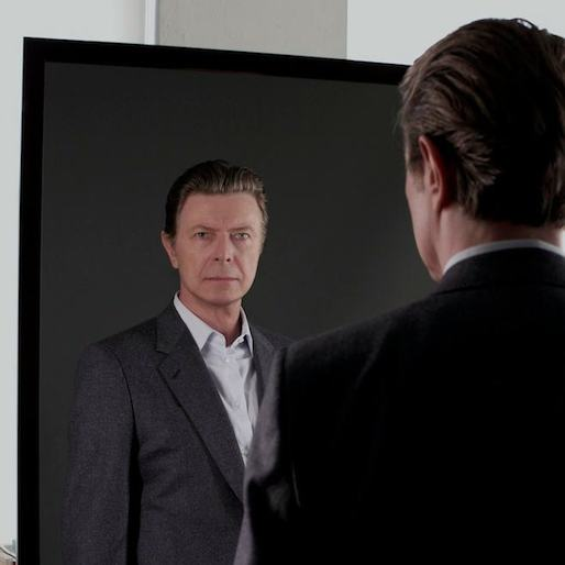David Bowie Working On Off-Broadway Version of <i>The Man Who Fell to Earth</i>