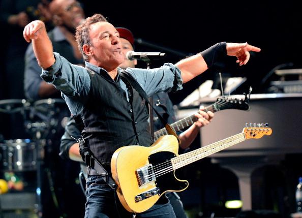 Bruce Springsteen Dedicates Full <i>Born To Run</i> Performance to James Gandolfini