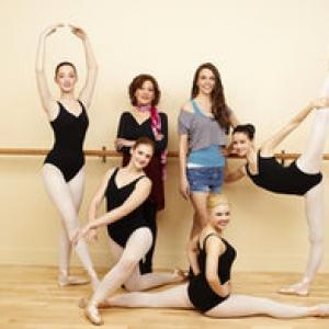 <i>Bunheads</i> Cast Reunites for Farewell Dance