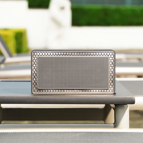 Bowers & Wilkins T7 Bluetooth Speaker Review