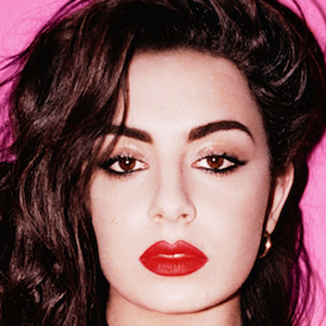 """Watch Charli XCX Perform """"Boom Clap"""" and """"Break the Rules"""" on <i>SNL</i>"""