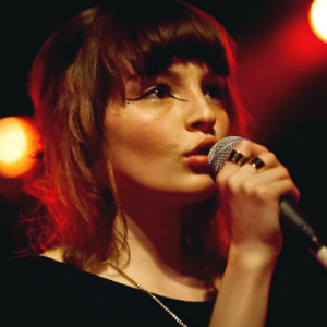 """Watch Chvrches Perform """"The Mother We Share"""" on <i>Fallon</i>"""