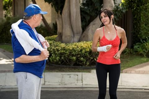 "<em>Cougar Town</em> Review: ""Hard on Me"" (Episode 5.05)"