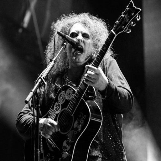 The Cure's Robert Smith Goes ALL-CAPS CRAZY on a Critic