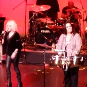 """St. Vincent, Alexis Krauss, Rosie O'Donnell Join Cyndi Lauper for """"Girls Just Want To Have Fun"""""""