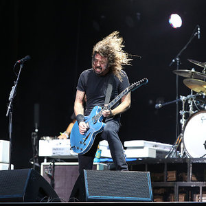 Foo Fighters to Continue Touring Despite Dave Grohl's Broken Leg