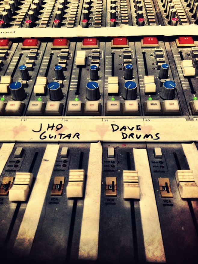 Dave Grohl to Drum on Queens of the Stone Age's Next Album