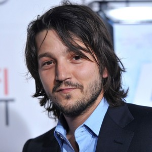 Diego Luna Boards <i>Star Wars</i> Anthology Spinoff <i>Rogue One</i>