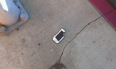Comedian Bakes iPhone-Shaped Cookies to Fool Cops, Gets Pulled Over