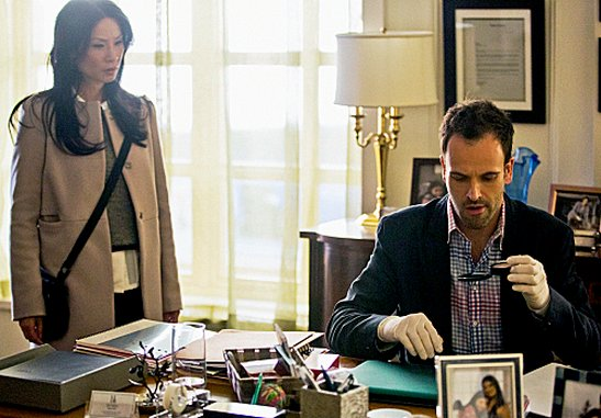 "<i>Elementary</i> Review: ""Dirty Laundry"" (Episode 1.11)"