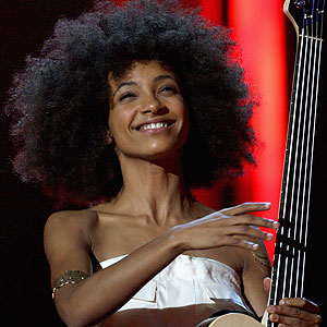 Esperanza Spalding to Release New Album