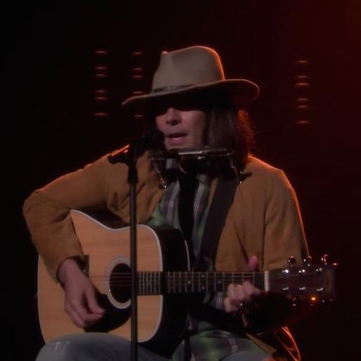 """Watch Jimmy Fallon Channel Neil Young and Iggy Azalea in His Cover of """"Fancy"""""""