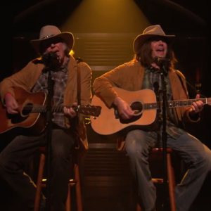 """Watch Neil Young Duet with Jimmy Fallon on """"Old Man"""""""