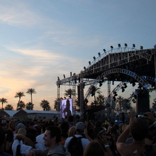 10 Essential Apps for Music Festival Season