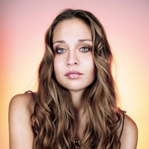 Fiona Apple Records New Song for Judd Apatow's <i>This Is 40</i>