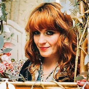 Watch Florence Welch Interrupt Concert to Stop Fan Fight