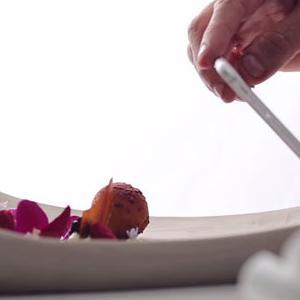 Restaurant Entrepreneurs Design Plates Perfect for Smartphone Photos