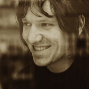 "Listen to an Unreleased Version of Elliott Smith's ""Alameda"""