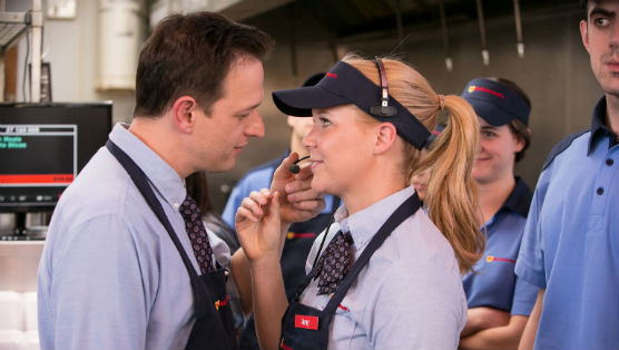 "<i>Inside Amy Schumer</i> Review: ""A Chick Who Can Hang"""